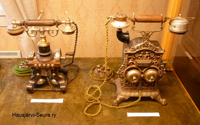 puhelimia